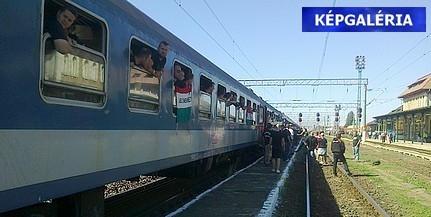 Vonattal a bukaresti pokolba: könnygáz és egy betojt magyar csapat