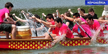 Immár nyolcadik alkalommal rendezik meg az orfűi tavon a Sárkányhajó Fesztivált - GALÉRIA