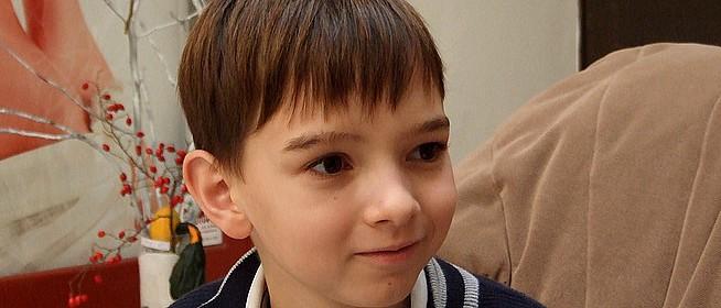 Döntőben a 11 éves pécsi zongorista, Boros Misi a Jókai utcai suliból