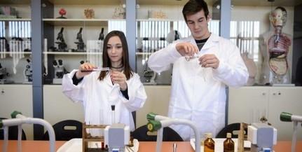 Új egyetemi szintű labort hoztak létre a pécsi gimiben