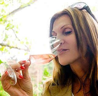 A katasztrófa elmaradt, helyette erősen közepes borokat adott tavalyról eddig a pécsi borvidék