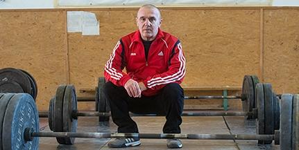 Könnyű súlyok, nehéz sorsok - most a betegséggel küzd Pécs elfeledett súlyemelő-világbajnoka