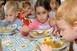 2,2 milliárddal több pénz jut jövőre gyermekétkeztetésre