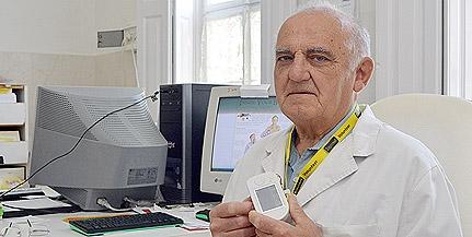 Nem semmi: majd' hatvan éve gyógyítja a beteg gyerekeket a pécsi Gothár Ferenc