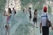 Bírja a terhet a világrekorder kínai üvegpadlós híd