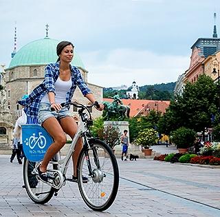 Hamarosan elektromos bringákkal szelhetjük át a várost a Zsolnay-negyed és az egyetem között