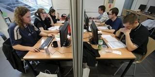 Rövid gépipari és informatikai képzéseket indít a PTE