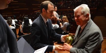 Dr. Fodor István földrajztudós vehette át idén a Csorba Győző-díjat