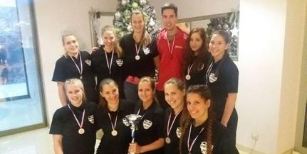 Másodikak lettek az egyetem röplabdás lányai egy nemzetközi tornán