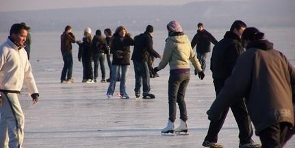 Kijelölték az első hivatalos jégpályákat a Balatonon