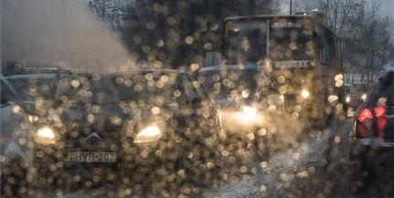Havazás, ónos eső lassítja a közlekedést országszerte