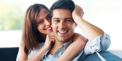 A házasélet kevesebb stresszel jár egy kutatás szerint