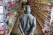 Bolti eladókat csapott be három szlovákiai magyar férfi