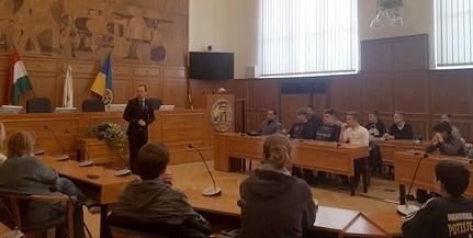 Délvidéki fiatalok látogattak el Pécsre és Mohácsra