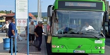 Kezdődnek a buszmegállóöböl felújítások a városban