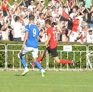 Hozta a kötelezőt a PMFC a baranyai rangadón, három góllal küldte haza a Komlót