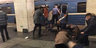 Robbantottak a szentpétervári metróban, többen meghaltak