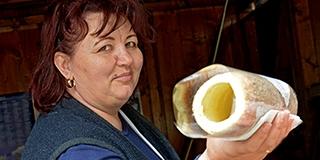 Erdélyből, szeretettel: így készíti Balogh Rodica a kürtőskalácsot a Citrom utcában