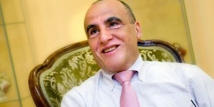 Perel a város: nem hagyják, hogy ingatlanokat einstandoljon a Zsolnay szír tulaja