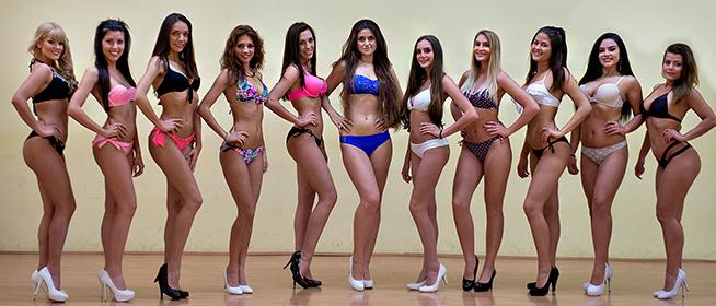 SZAVAZÁS! Nézze meg Pécs legszebb lányait - Ön melyikük fejére tenné a koronát?