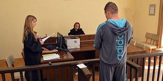 Pisztollyal hadonászott a pécsi Viszkis, pánikot okozott, megúszta felfüggesztettel