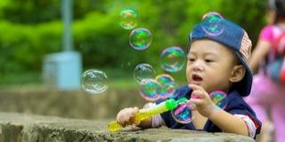 Buborékparádé lesz a Zsolnay Negyedben szombaton