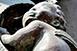 Közadakozásból újulhat meg a Rákóczi úti ház méltatlanul elhanyagolt Madonna-szobra