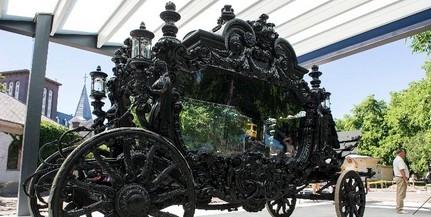 Bemutatják a felújított Apponyi-hintót