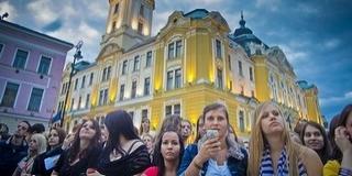 Szerda este minden kiderül a pécsi Pont Ott Partin a Széchenyi téren