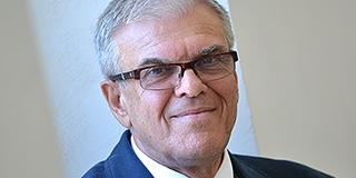 Tanít, gyógyít és kutat is Pécs tudományos díjának friss birtokosa, Ertl Tibor
