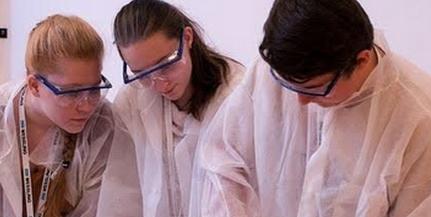 Négy ezüstöt szereztek diákjaink a Nemzetközi Kémiai Diákolimpián