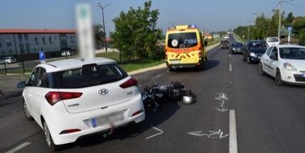 Egy autó és egy motor ütközött össze Pécsett