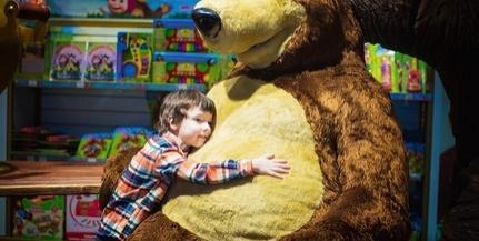 Játékgyűjtő akciót szervez a Pláza a gyermekeknek