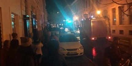 Robbanás volt, majd tűz ütött ki egy Király utcai lakásban kedden délután