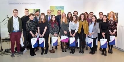 Diákhitel Központ: egyetemisták alkotásaiból nyílt kiállítás az A38 Hajón