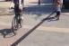 Kerékpárral a Sétálóutcában (részlet)